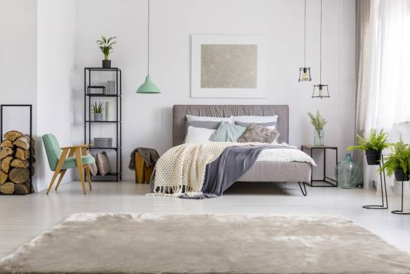 12 ways to use that wall space above your bed