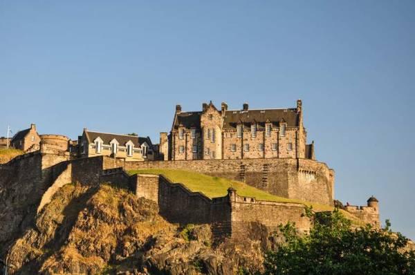 A Brief Guide to Edinburgh Castle