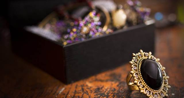 Shops for Magpies: The Best Places to Buy Jewellery in Edinburgh