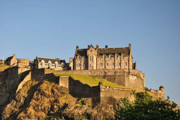 b2ap3_thumbnail_edinburgh-castle.jpg